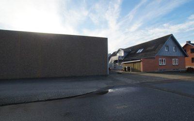 Gode lagerlokaler med god lofthøjde og tilhørende kontorer