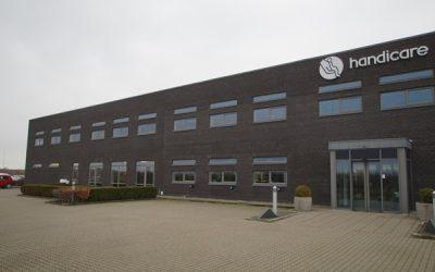 Indbydende kontorlokaler i ejendom med stor synlighed og let tilgængelighed
