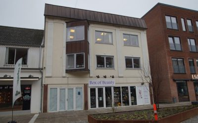 Flotte momsfri kontor-/kliniklokaler i Herning City i nyrenoveret gade