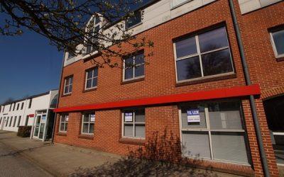 Spændende kontorlokaler i 2 plan midt i Herning – NY LEJE